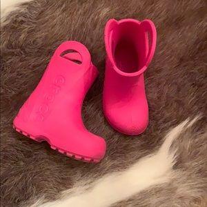Toddler crocs size 7
